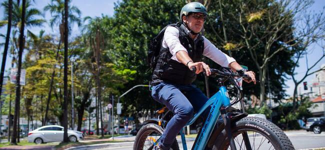 bicicleta-eletrica-vira-alternativa-de-transporte-em-regioes-do-brasil