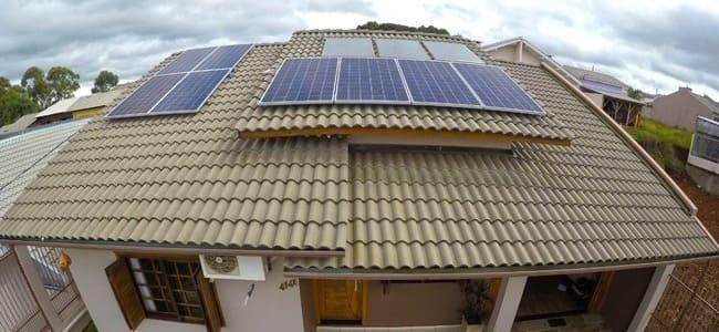 projeto-lancado-pela-renovigi-em-sc-deve-instalar-1000-sistemas-de-energia-solar-ate-marco/